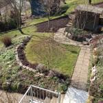 Der kleine hübsche Steingarten.