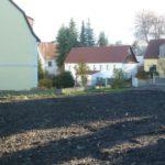 Das Grundstück mit Blick auf die Nossener Straße