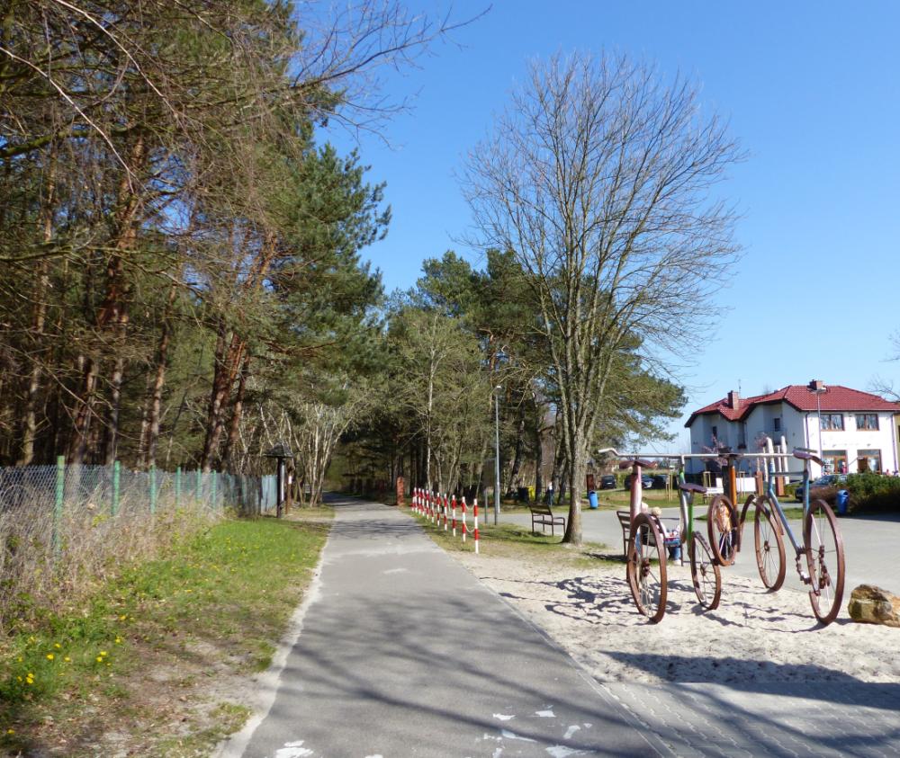Der Radweg parallel zur Küste