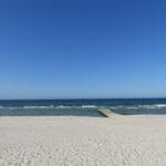 Der Strand mit kleinem Steg